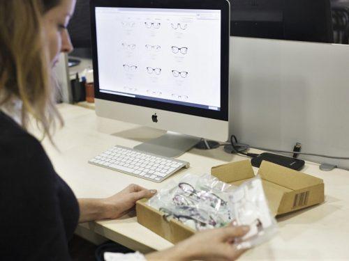 PackshotCreator-Fotografie für Optiker Onlinehandel