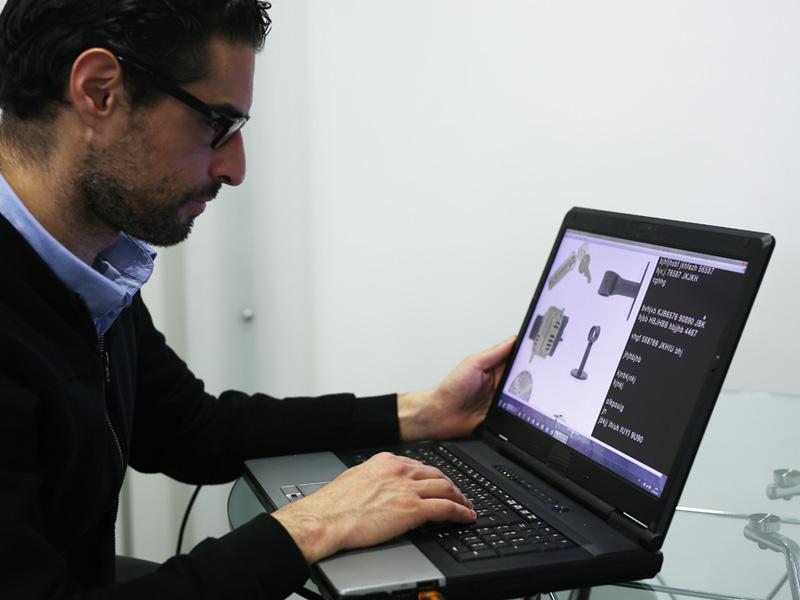 Eine Datenbank anlegen Fotos Werkzeug und Industriebauteile