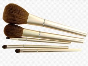 packshot makeup brush