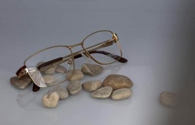 still photo eyeglasses packshot