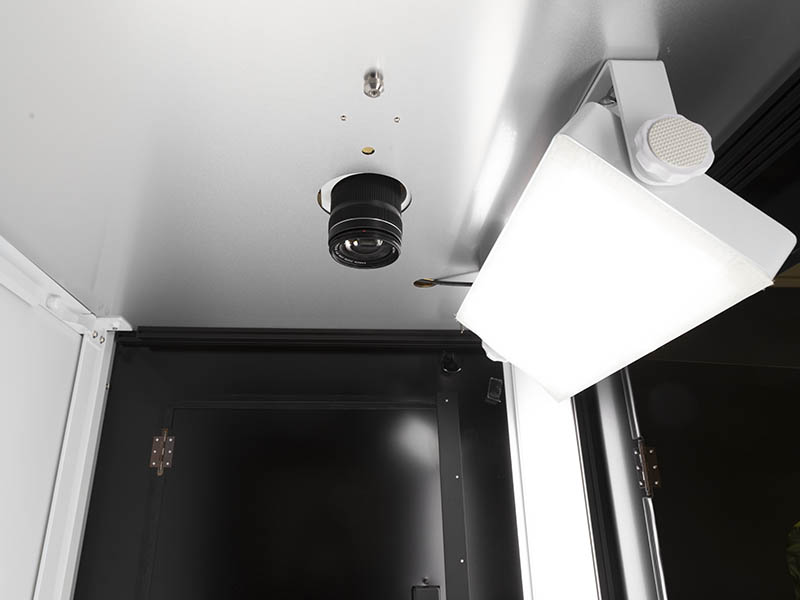 Toplight in einem automatisierten Fotostudio