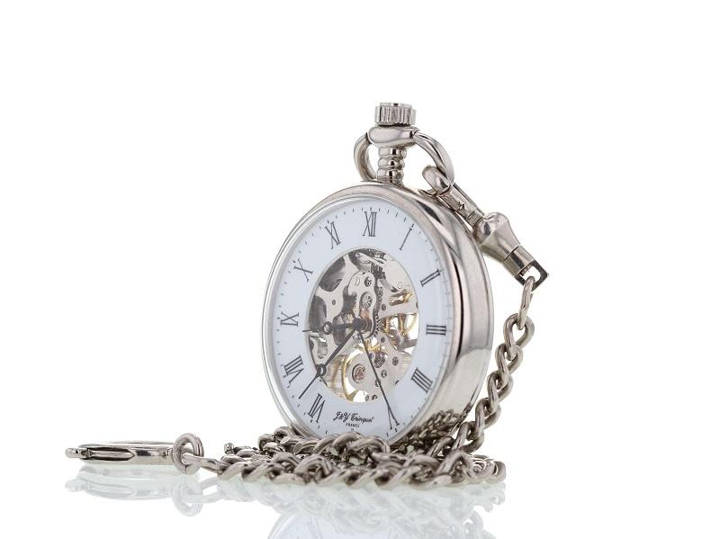 Antike Uhr optimal dargestellt auf rein weißem Hintergrund mit Details und Uhrenwerk