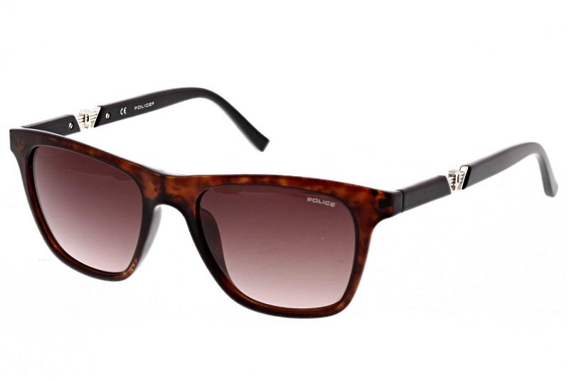 Sonnenbrille Police in seitlicher Position - unser Bestseller in der Produktfotografie von Brillen und komplexen Produkten