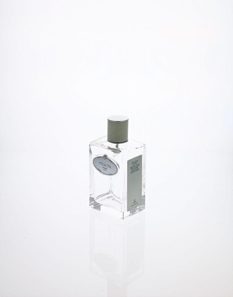Einen Gegenstand vor weißem Hintergrund fotografieren