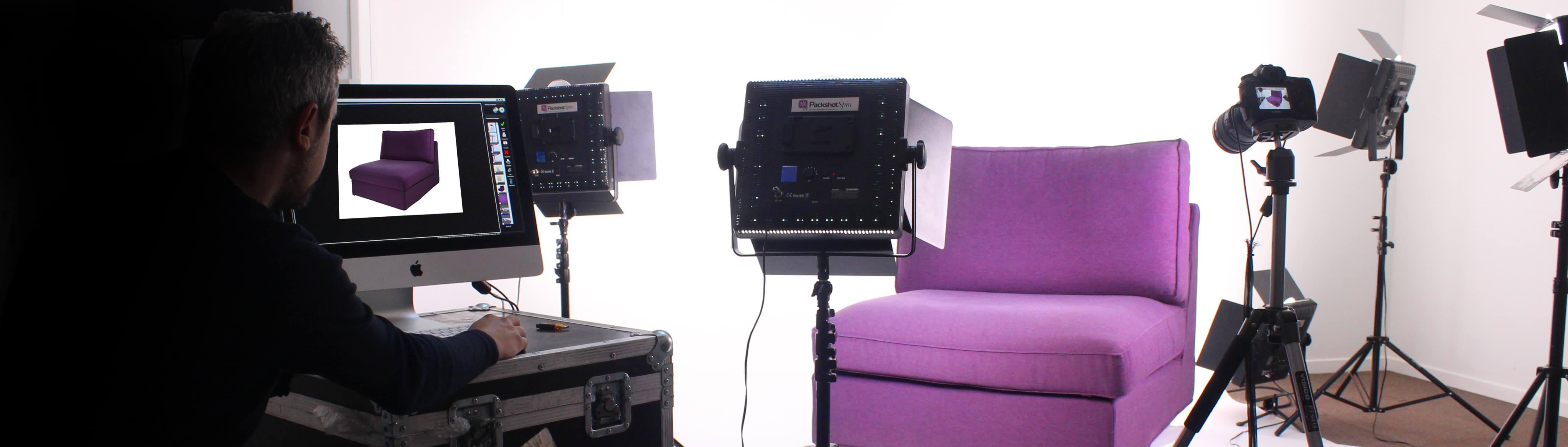 Bilder von Möbelstücken im PackshotCreator-Studio vor weißem Hintergrund