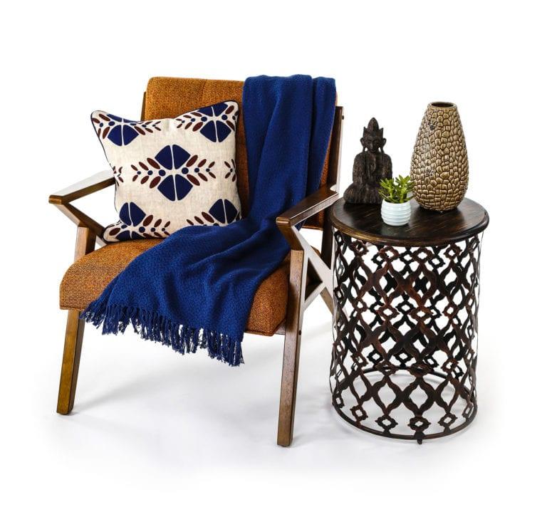 Hier einige Beispielfotos von Möbelstücken