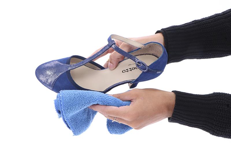 Auf die Plätze: Reinigen Sie den Schuh